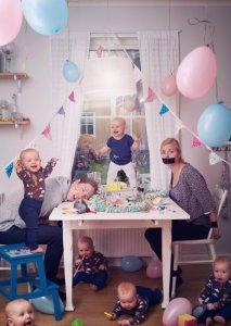 ld-11-bizarre-baby-portraits-nt-130531-jpg_174901